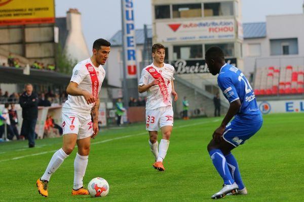 Belaud et Henry, contre Auxerre