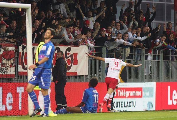 Eden Ben Basat, buteur contre Troyes (3e journée)