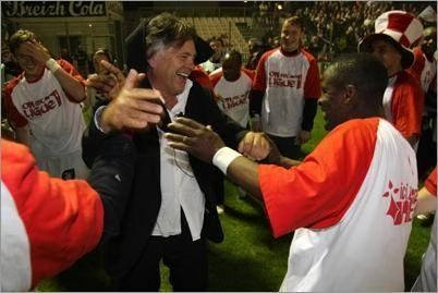 Le président Guyot au milieu de ses joueurs